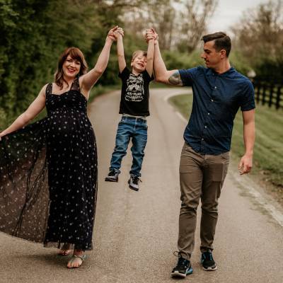 Maternity Photo Session: Awaiting Baby Cohen – Photos by Sarah Caton